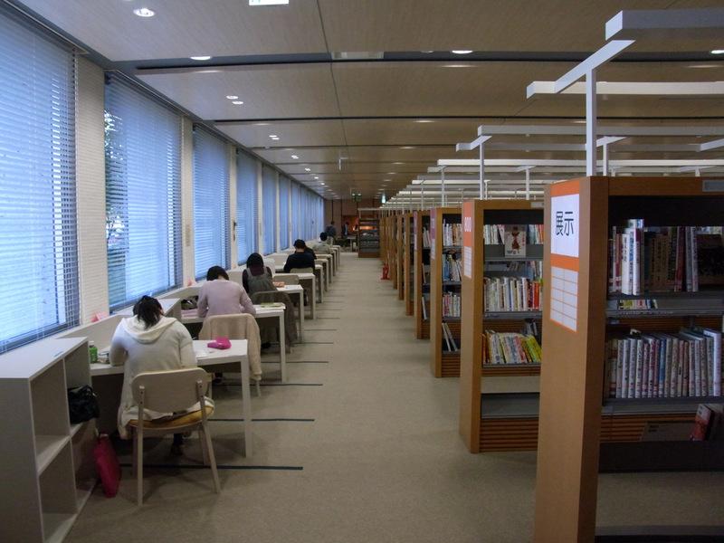 春日部市立庄和図書館オープン(...